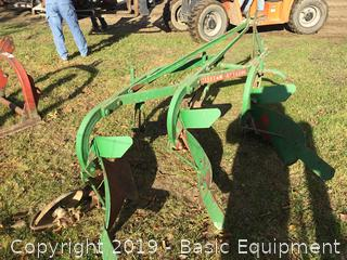 MASSEY FERGUSON 3PT 3 BOTTOM PLOW