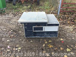 Pickup Bed Dog Box