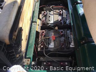 CLUB CART ELECTRIC GOLF CART