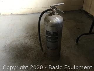 2 1/2 GALLON FIRE EXTINGUISHER