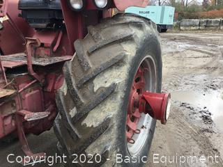 FARMALL 706 TRACTOR