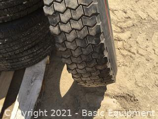 1-10R/22.5 TIRE AND RIM